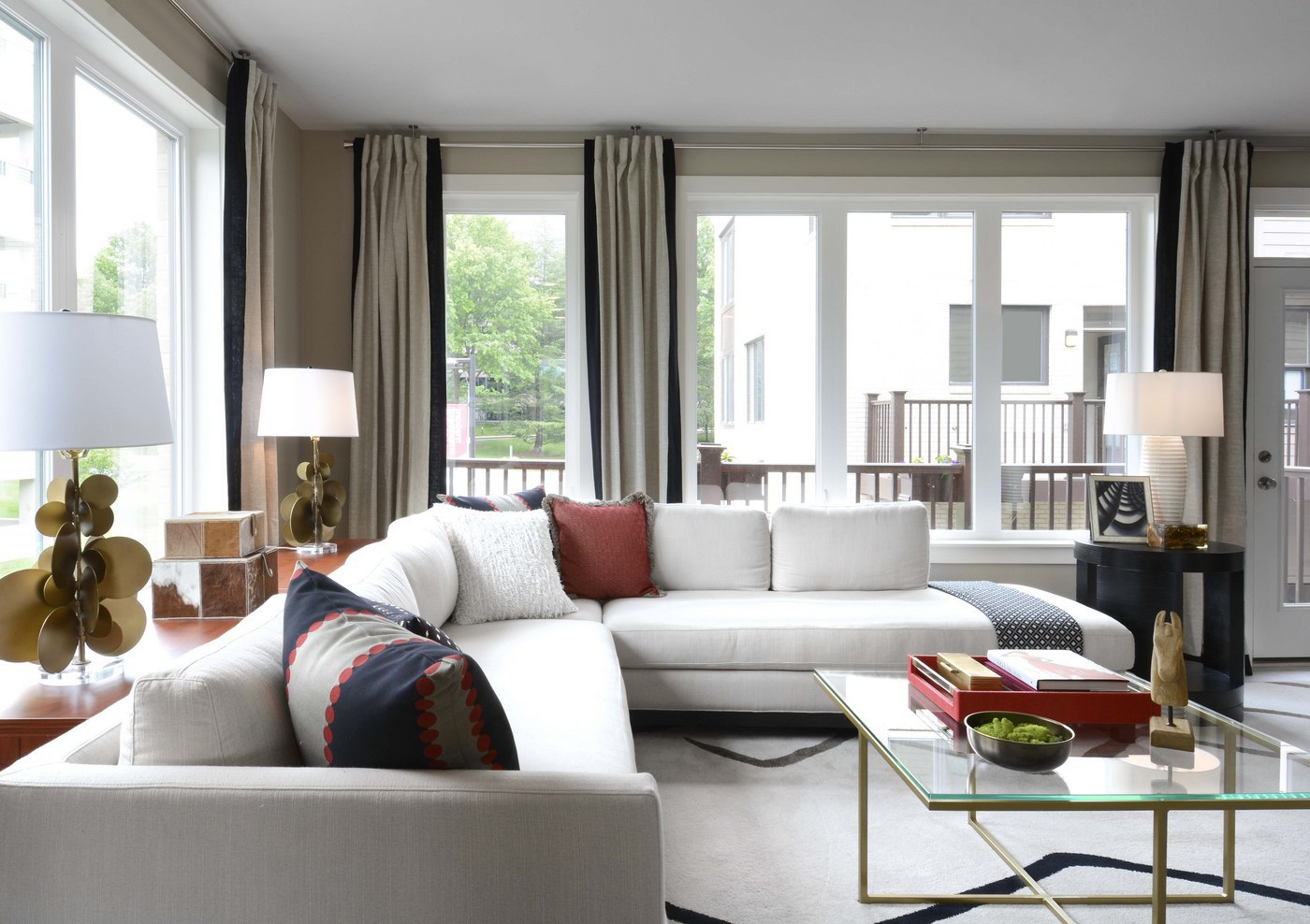 Expert tips on how to get the transitional design style in your home